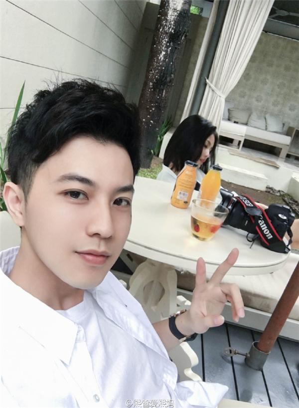 BốRicky điển trai như diễn viên Hàn Quốc.