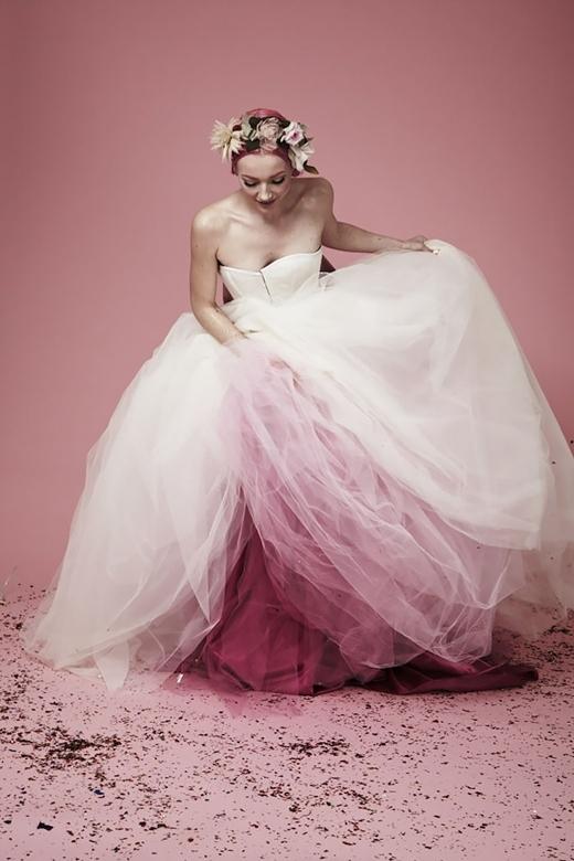 Tông màu hồng pastel nhẹ nhàng cho cô dâu dịu dàng, nữ tính.