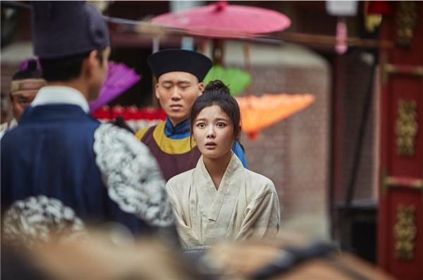 """Park Bo Gum tương tư, chính thức yêu """"thái giám"""" Kim  Yoo Jung"""