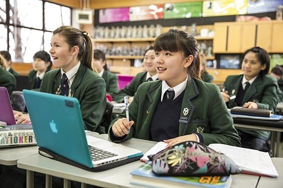 Phụ huynh hoàn toàn yên tâm khi có con em theo học tại New Zealand.