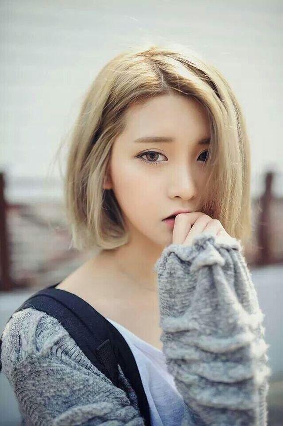 Kiểu tóc bob ngang cằm không những mang lại cho bạn gái hình ảnh trẻ trung, năng động mà còn giúp bạn khắc phục nhiều khuyết điểm trên gương mặt.