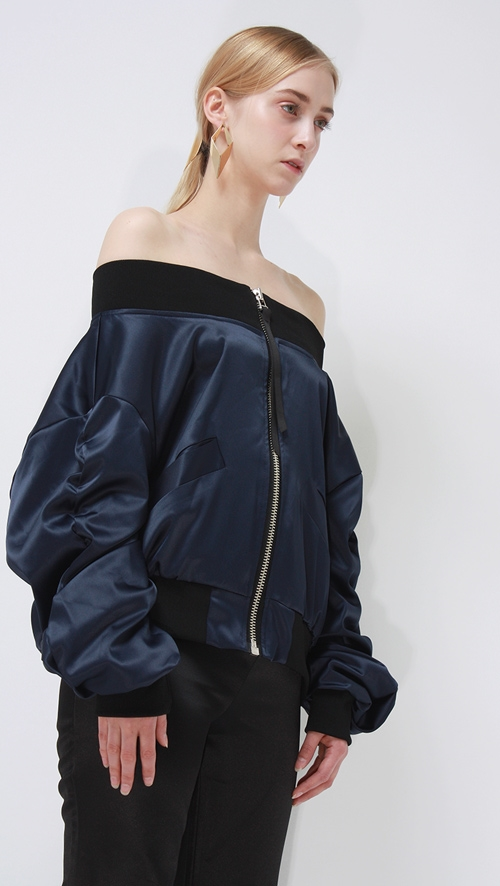 Những chiếc áo khoác chắc chắn khiến Hà Hồ, Tóc Tiên mê tít
