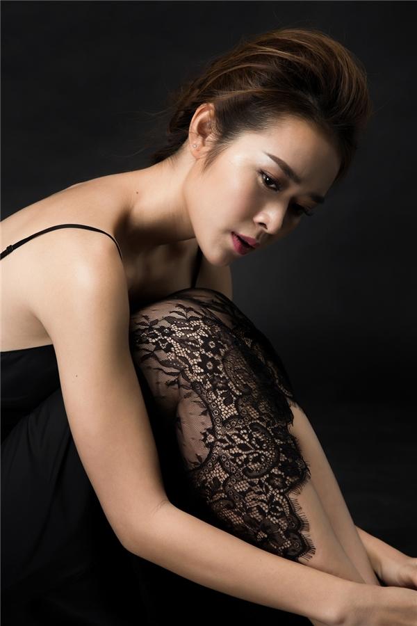 Diệp Bảo Ngọc tâm sự, ranh giới giữa sexy và phản cảm khá mong manh nên cô rất cẩn trọng khi chọn trang phục cùng stylist riêng.