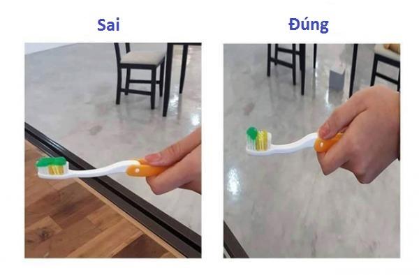 Khi sử dụng kem đánh răng, bạn chỉ cần lấy ramột lượng nhỏlà đủ xài rồi, không cần thiết phải lắp đầy toàn bộlôngbàn chải.