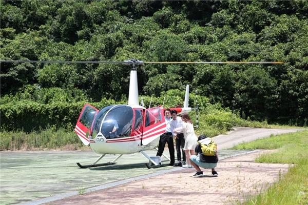 Thú vị nhất, trong MV sẽ có chi tiết Noo Phước Thịnh cùng cô bạn gái người Nhật cùng đi thăm thú bằng trực thăng riêng. - Tin sao Viet - Tin tuc sao Viet - Scandal sao Viet - Tin tuc cua Sao - Tin cua Sao