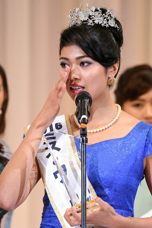 Tân hoa hậu Nhật Bản hiện đang phải chịu nhiều lời chỉ trích, phê bình về nhan sắc.