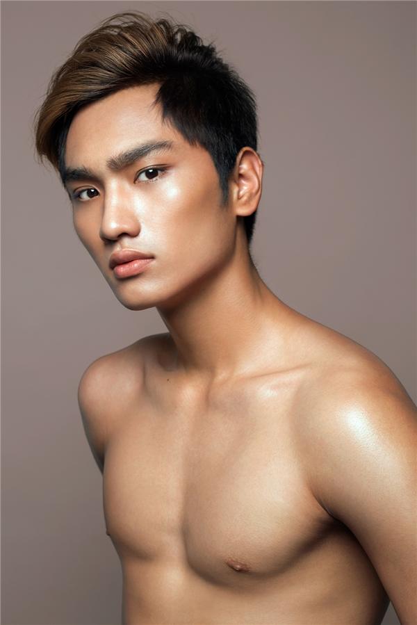 Huy Quang - chàng trai dễ dàng thu hút người đối diện bởi đôi mắt biết nói, gương mặt điển trai không góc chết.
