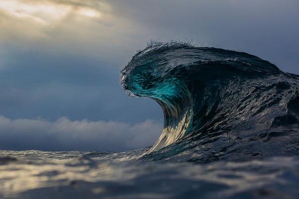 Nguồn cảm hứng lớn nhất của anh là những con sóng.