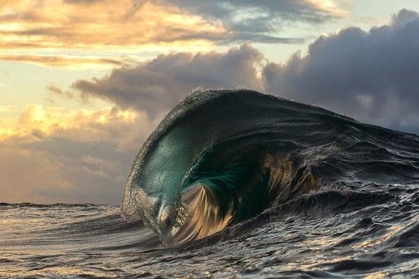 Dẫu có đi biển cả đời cũng chẳng mấy ai được chiêm ngưỡng hết mọi tâm tình của đại dương sâu thẳm, bao la...