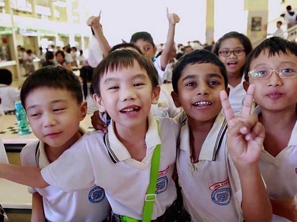 Nếu tiếng mẹ đẻgắnkết người dân Singapore bằngnguồn gốc, văn hóa và di sản tinh thần của từng dân tộc...