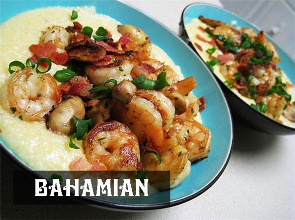 """Bữa sáng của ngườiBahamian khá """"nhẹ bụng"""" vớicháo ngô hoặc yến mạch ăn cùng tôm vàthịt tẩm gia vị."""