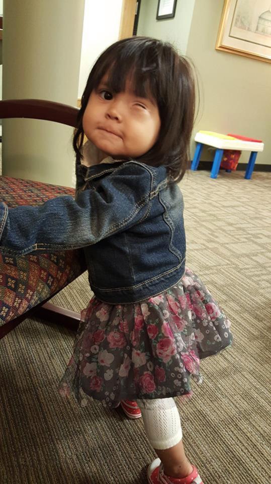 Kimberley giờ đã được hai tuổi, mặc dù không may mắn mắc bệnh nhưng cô bé rất vui vẻ và hồn nhiên.