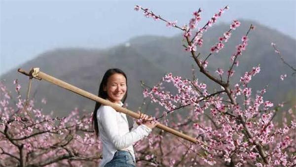 Cuộc sống như thần tiên của cô gái 23 tuổi lên núi ẩn cư