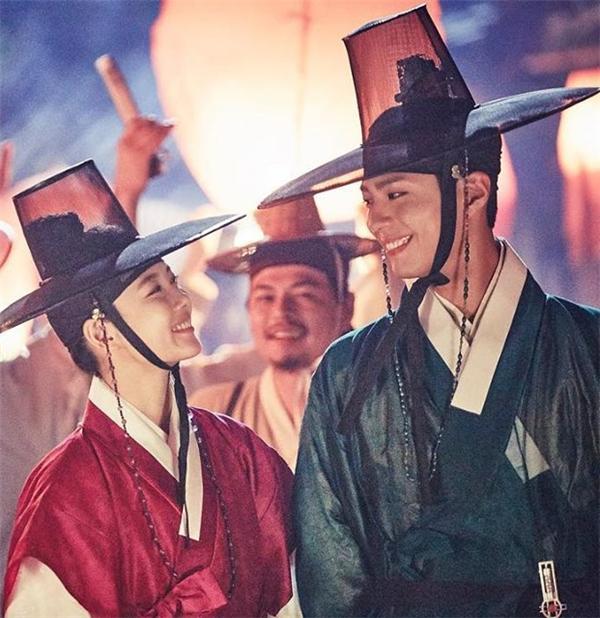 Gục ngã với vẻ đẹp hoàn hảo của Thế Tử Park Bo Gum