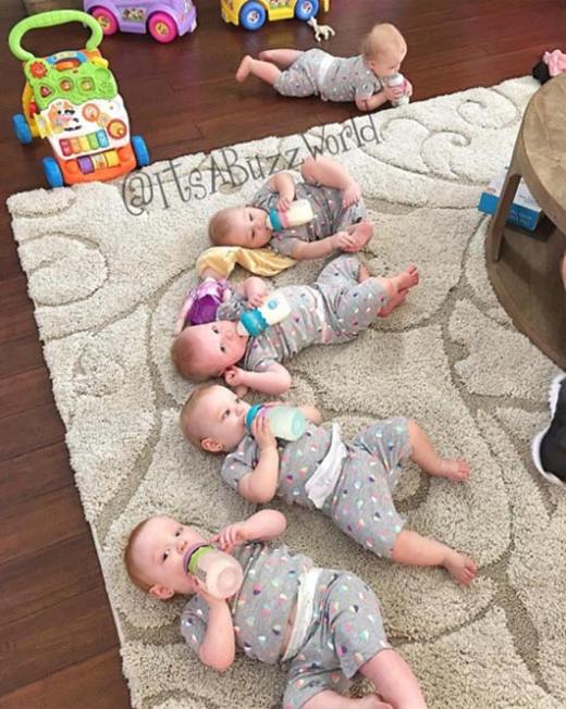 Hiện tại các bé đều phát triển tốt và đã được 1,5 tuổi.