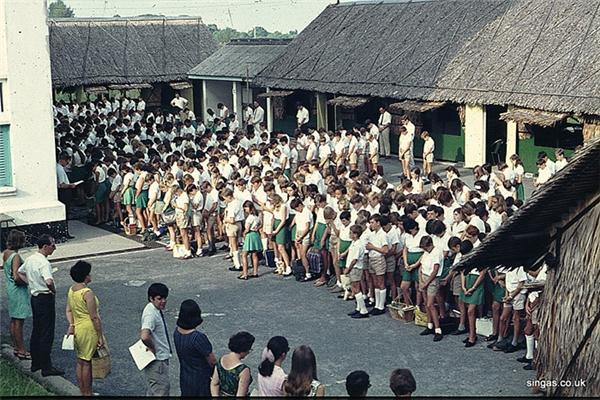 Hình ảnh học đường của Singapore những ngày đầu mới giành độc lập...