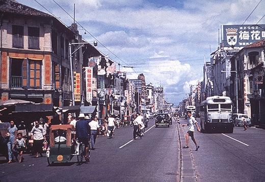 Đường phố Singapore vào năm 1965...