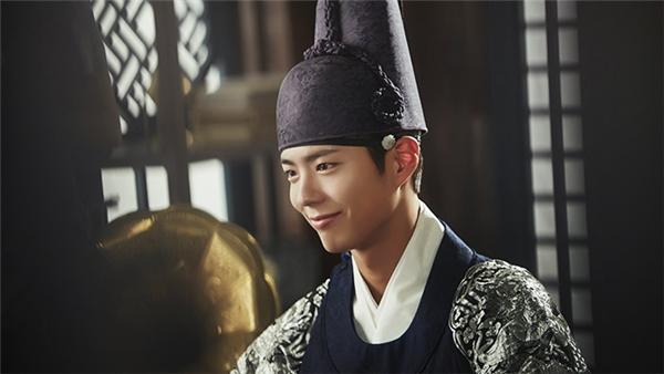 Song Joong Ki muốn một lần trở thành tình địch của Park Bo Gum