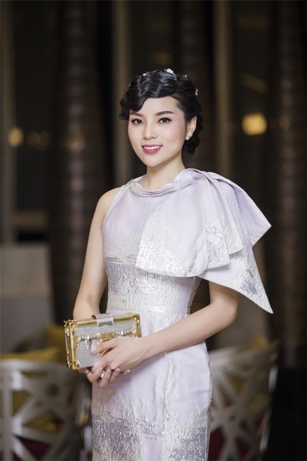 Trừ những lúc bị hại, Hoa hậu Kỳ Duyên thường xuyên đẹp đừng hỏi - Tin sao Viet - Tin tuc sao Viet - Scandal sao Viet - Tin tuc cua Sao - Tin cua Sao
