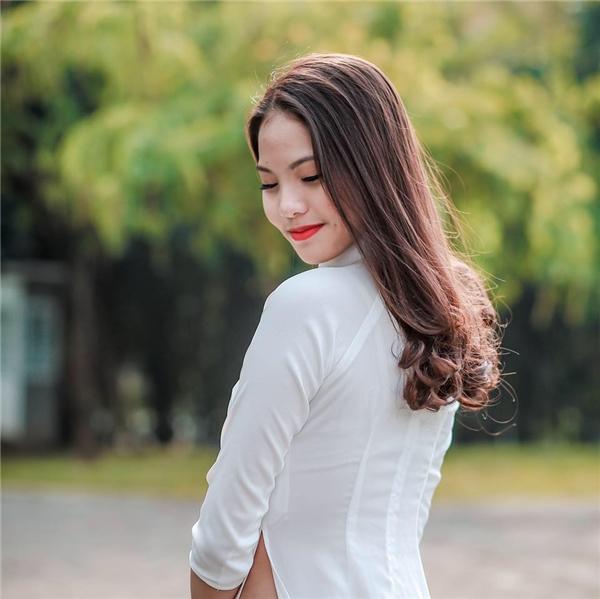 Khánh Linh sở hữu ngoại hình vô cùng trẻ trung, xinh đẹp và rạng rỡ. - Tin sao Viet - Tin tuc sao Viet - Scandal sao Viet - Tin tuc cua Sao - Tin cua Sao