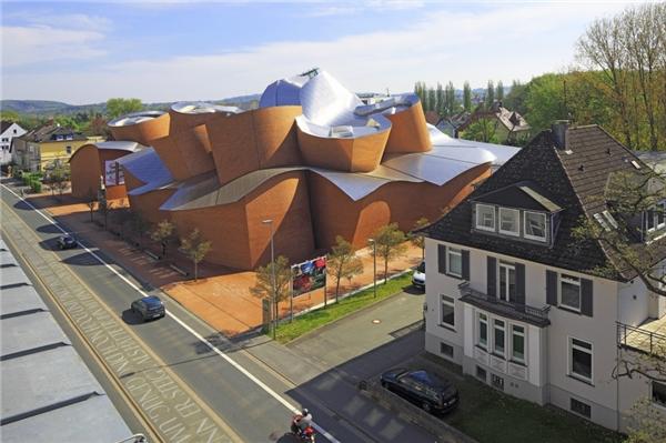 MARTa Herford là một bảo tàng nghệ thuật tại Đức, được khánh thành vào năm 2005.