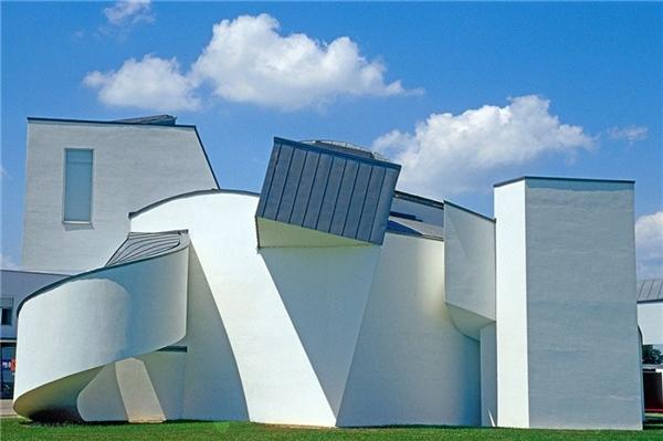 Toàn cảnh của bảo tàng thiết kế Vitra tại Weil am Rhein,Weil am Rhein là một đô thị trong huyện Lörrach bang Baden-Württemberg thuộc nước Đức.