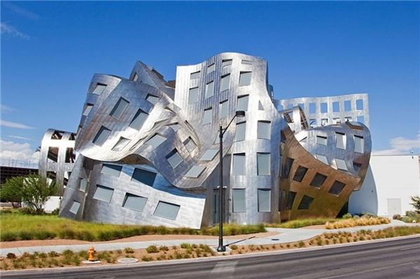 Tòa nhà này có tênLou Ruvo - một trung tâm nghiên cứu về não bộ tại Las Vegas, Hoa Kỳ.