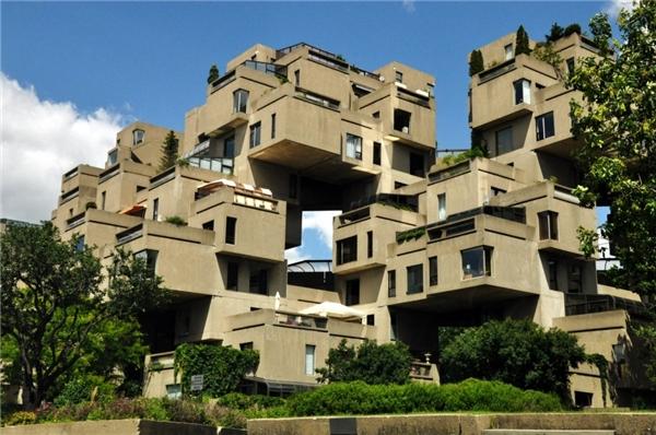Tòa nhà có kết cấu phức tạp này có tên gọilà khu dân cư67 vì nó được xây dựng vào năm 1967 tại thành phố Montreal, Canada.