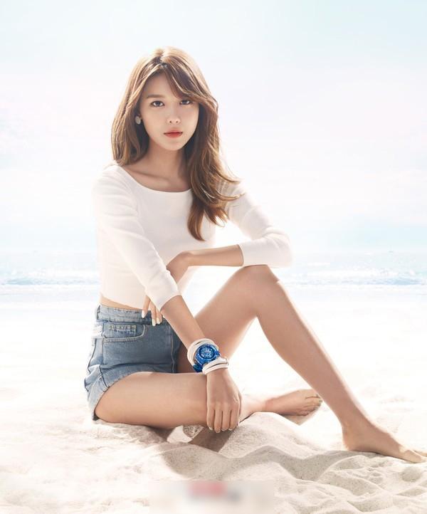 Soo Young (SNSD) sở hữu chiều cao 1m70 với đôi chân dài miên man.