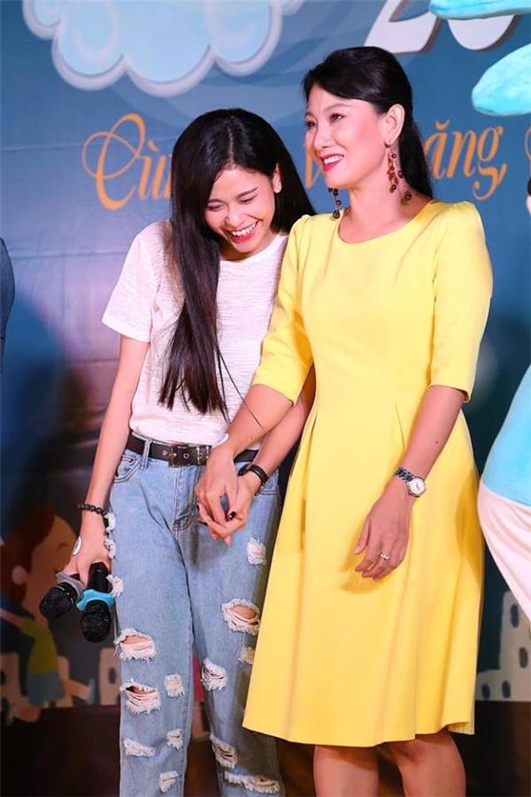 Trương Quỳnh Anh và Tim hạnh phúc trước hành động của con trai - Tin sao Viet - Tin tuc sao Viet - Scandal sao Viet - Tin tuc cua Sao - Tin cua Sao