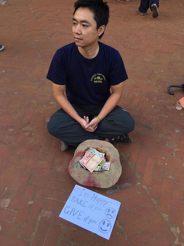 Ngôi nhà đậm cá tính độc đáo của anh chàng giả ăn xin ở Nepal