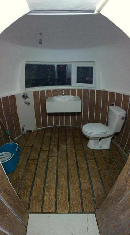  Nội thất bên trong ngôi nhà mang phong cách tối giản. (Ảnh: Theo Thanh niên)