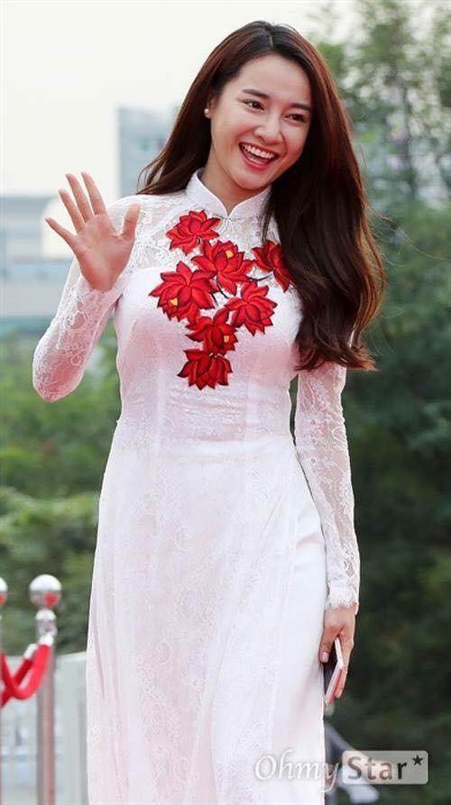 """Nhã Phương được Song Joong Ki tặng quà """"độc"""" sau khi chụp ảnh chung? - Tin sao Viet - Tin tuc sao Viet - Scandal sao Viet - Tin tuc cua Sao - Tin cua Sao"""
