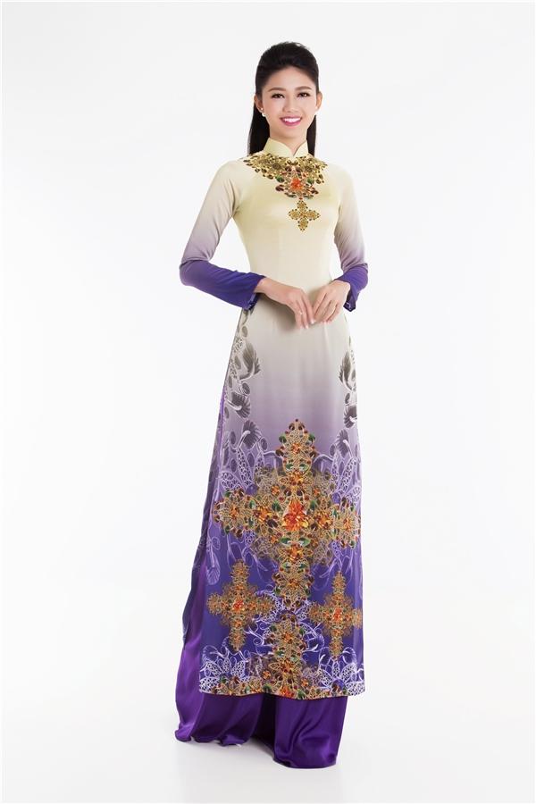 Mỹ Linh, Thanh Tú, Thùy Dung khoe sắc với áo dài ngọt ngào