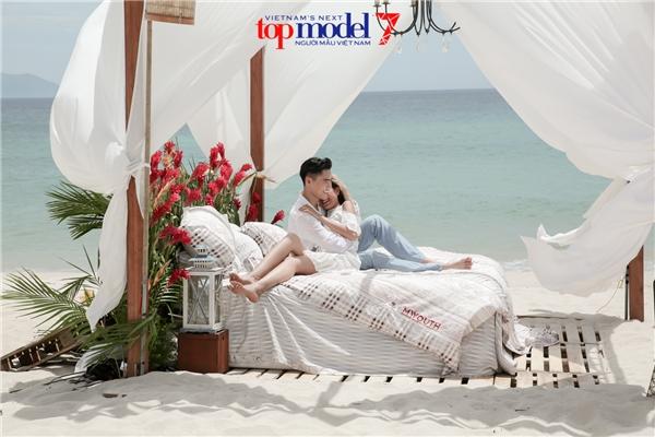 Bỏ rơi người yêu, Quang Hùng tình tứ với dàn mẫu Next Top