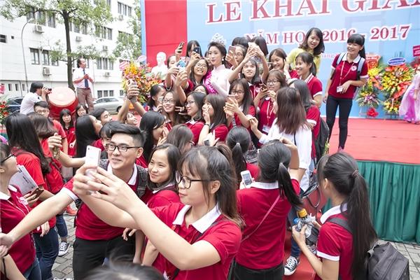 Trong vòng vâycủa các bạn sinh viên - Tin sao Viet - Tin tuc sao Viet - Scandal sao Viet - Tin tuc cua Sao - Tin cua Sao