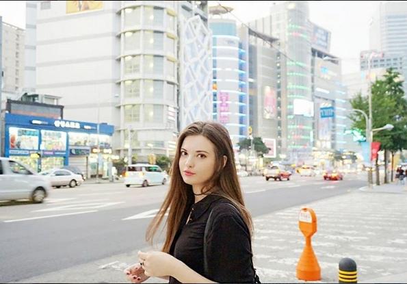 Ngẩn ngơ với vẻ đẹp khó cưỡng của bông hồng lai Nga- Hàn