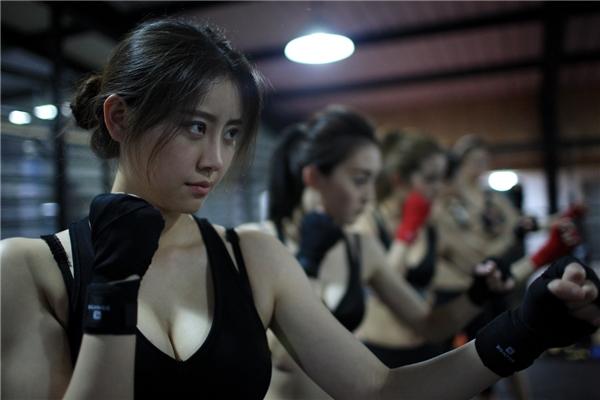 Tỉ lệ người giàu tại Trung Quốc ngày một tăng nên nhu cầu có vệ sĩ bảo vệ bên cạnh cũng theo đó nở rộ.