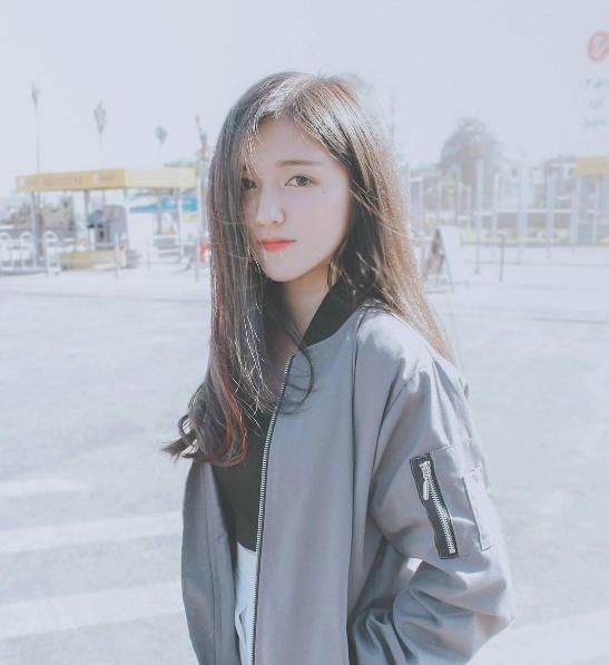 Cộng đồng mạng phát sốt với cô gái có gương mặt xinh như thiên thần