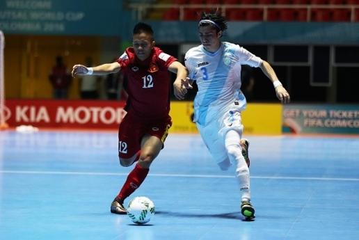 Đội tuyểnFutsal Việt Nam (áo đỏ) giành chiến thắng 4-2 trước đội tuyểnGuatemala trong ngày ra quân. Ảnh: Internet.