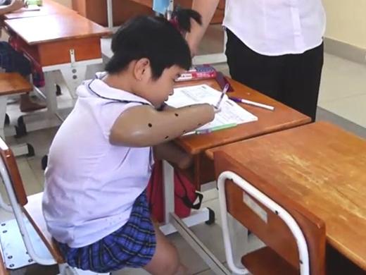 Hoài Thương trên lớp học