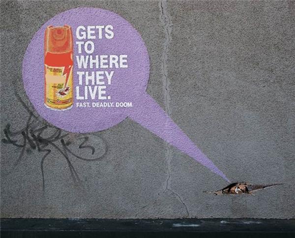 Xịt côn trùng: Len lỏi đến tận hang ổ.