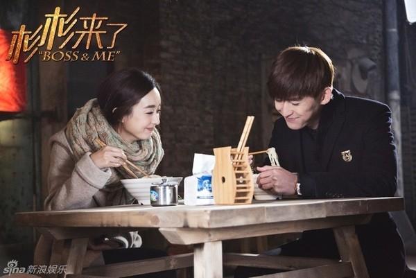 """... và nụ cười ấm áp mà Trương Hàn trong vai Phong Đằngdành cho Sam Sam khiến bao khán giả """"đổ gục"""" vì quá lãng mạn."""