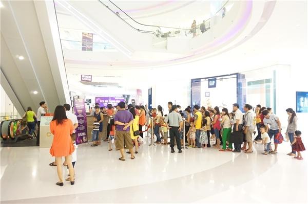 Hàng năm, Crescent Mall đều chuẩn bị nhiều phần quà Trung Thu hấp dẫn dành tặngcác bé.