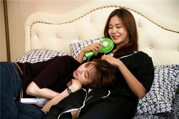 Trên phim là tình địch là thế nhưng Han Hyo Joo và Jung Yoo Jin ngoài đời lại là những người chị em cực thân thiết.