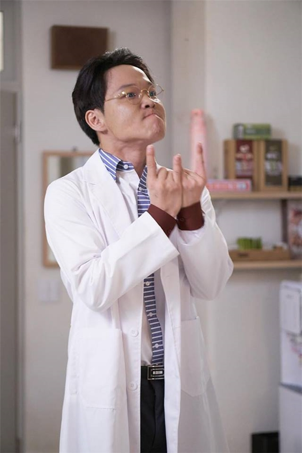 """""""Chó điên"""" – người hâm mộ cuồng nhiệt của bộ truyện W và Kang Chul."""