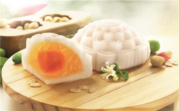 Bánh nướng, bánh dẻo làhai loại bánh phổ biến được ăn trong đêm Trung Thu.