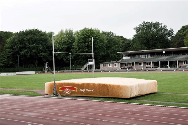 Bánh mì sandwich: Mềm mại đến êm dịu cả người.
