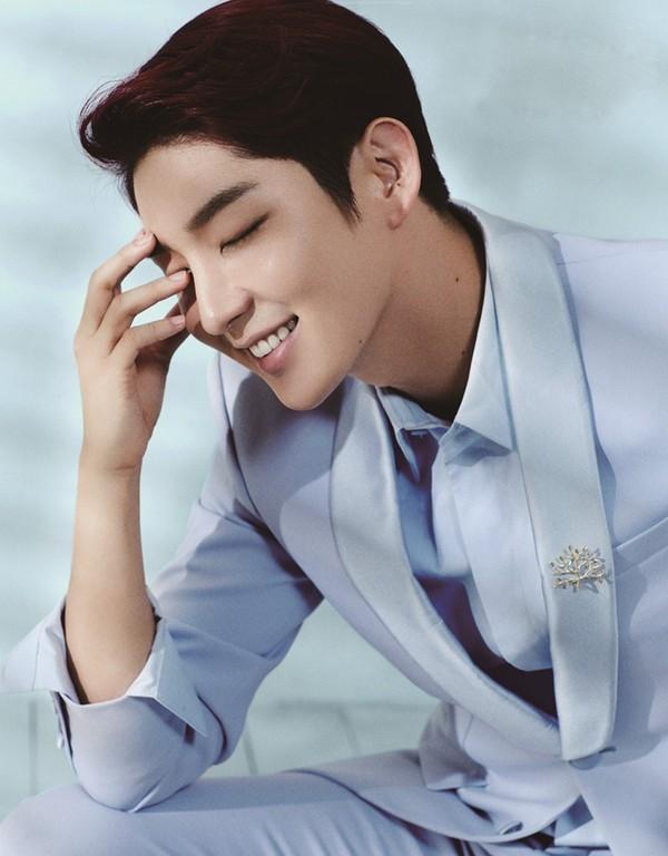 Người tình Lee Joon Ki: Tôi chỉ nghỉ ngơi khi nằm trong quan tài