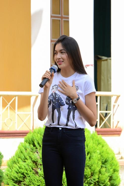 Là đại diện Việt Nam tham dự Hoa hậu Hoàn vũ Thế giới diễn ra vào tháng 1/2017 tại Philippines, Lệ Hằng hiện đang trong thời gian tập luyện ráo riết để có thể lên đường trong tâm thế hoàn hảo nhất có thể.